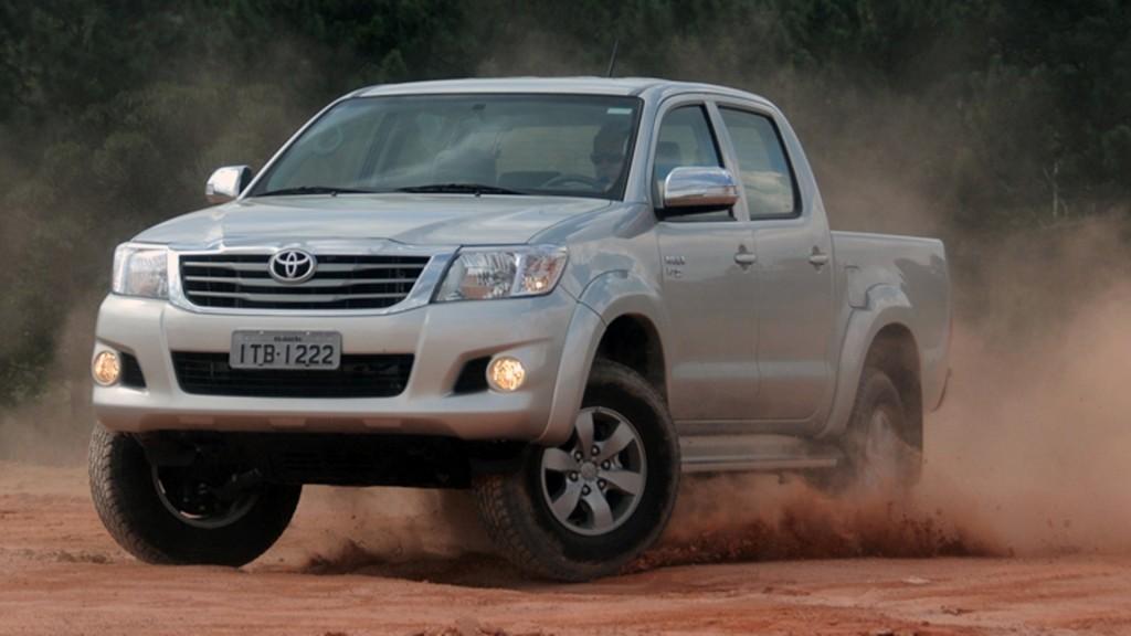 Simulação de Financiamento: Toyota Hilux SR/V 4x4 AT 2015