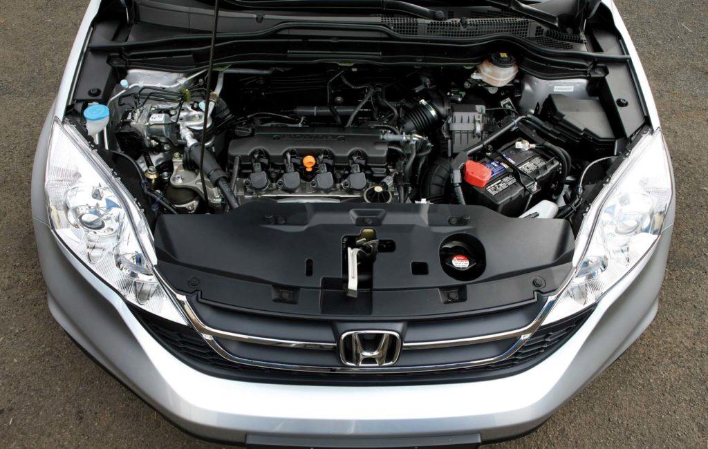 A bateria do seu carro descarregou? Saiba o que fazer